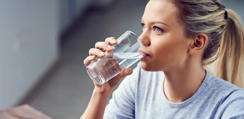 Можно ли пить воду перед колоноскопией кишечника - в день утром: чай, кофе